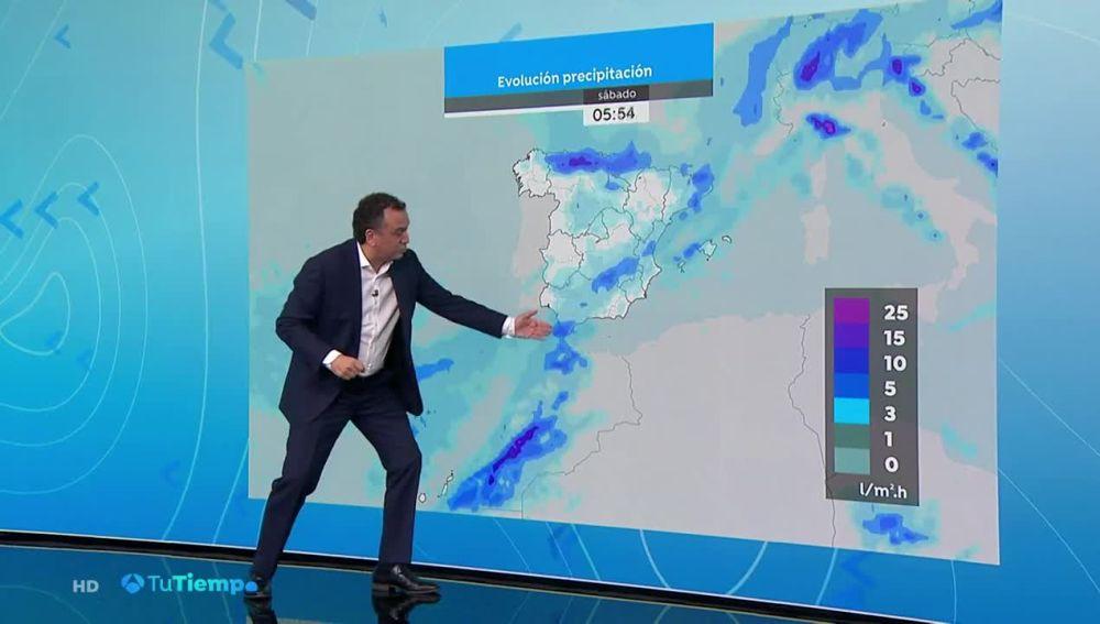 Chubascos acompañados de tormentas fuertes y persistentes en Canarias