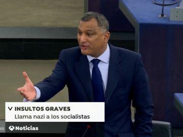 """Un eurodiputado conservador británico llama """"nazis"""" a los socialistas en la Eurocámara"""