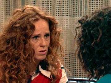 """Natalia le ruega ayuda a Amelia: """"Necesito que seas mis manos y mis ojos"""""""