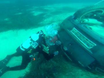 Localizan un segundo vehículo hundido en S'Illot