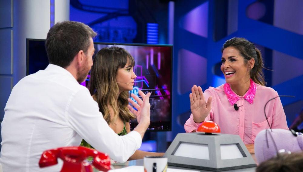 Aitana se emociona dando consejos de amor en el consultorio de Nuria Roca en 'El Hormiguero 3.0'