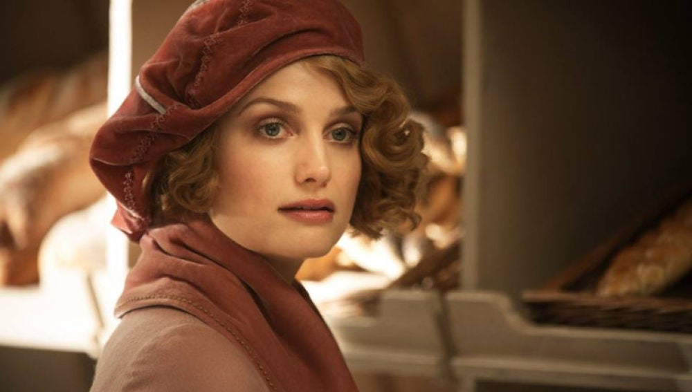 Queenie Goldstein, interpretado por Fine Frenzy en 'Animales Fantásticos'