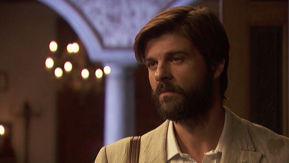 Gonzalo, a punto de decidir si acepta el trato de Fernando y se marcha de Puente Viejo