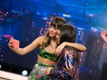 Una fan de Aitana rechaza 150€ a cambio de conservar el selfie con la invitada de 'El Hormiguero 3.0'