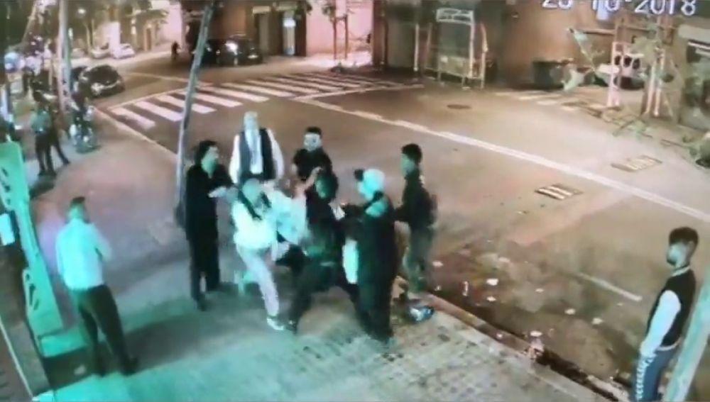 Un grupo de delincuentes ataca a los trabajadores de un restaurante de la Barceloneta