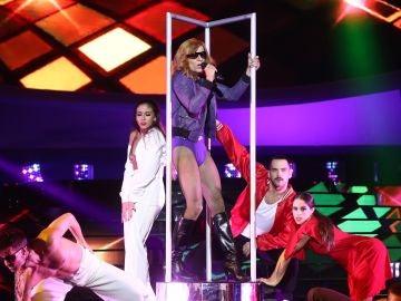 Jordi Coll saca su lado más dance con 'Hung up' de Madonna