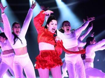 Soraya conquista el escenario convertida en Rosalía y su gran éxito 'Malamente'