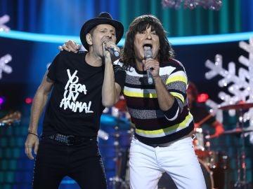 José Corbacho y Alejo Stivel nos hacen bailar un 'Rock and roll en la plaza del pueblo' como Tequila