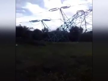 Postes de luz caídos en Menorca