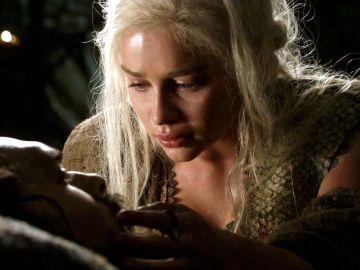 Daenerys Targaryen y Khal Drogo en 'Juego de Tronos'
