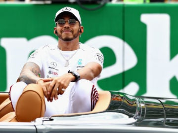 Lewis Hamilton, relajado