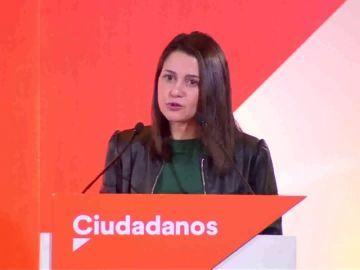 """Arrimadas: """"Andalucía no es del PSOE igual que Cataluña no es de los nacionalistas"""""""