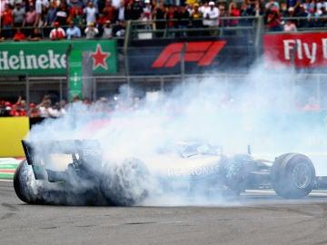 Hamilton hace un 'donut' en México