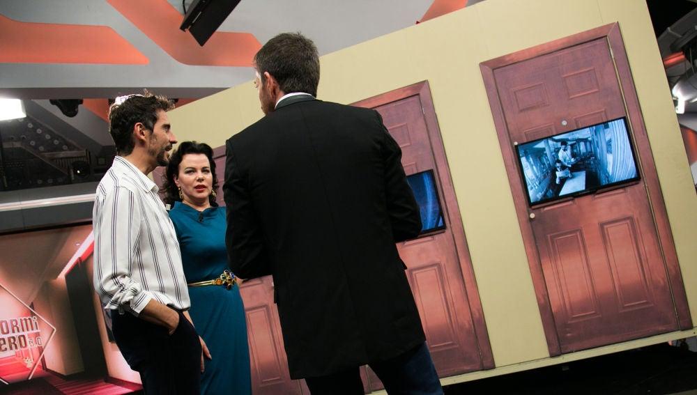 VÍDEO: 'El Hormiguero 3.0' pone a prueba el ojo clínico de Paco León y Debi Mazar
