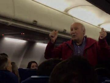 Una bronca con un azafato de KLM deja a un pareja española en tierra