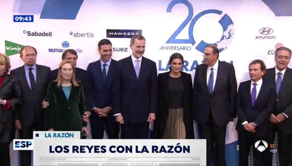 'La Razón' celebra su 20 aniversario con una fiesta a la que acudieron los Reyes y representantes de la clase política