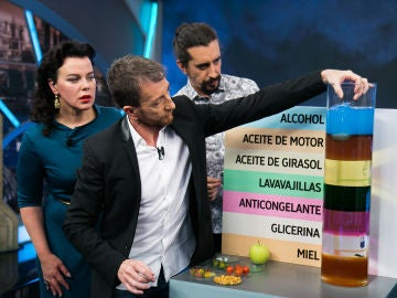VÍDEO: Revive la ciencia completa de Marron con Paco León y Debi Mazar en 'El Hormiguero 3.0'