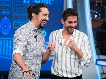 VÍDEO: Marron logra escribir de Paco León y Debi Mazar con el teclado invisible de 'El Hormiguero 3.0'