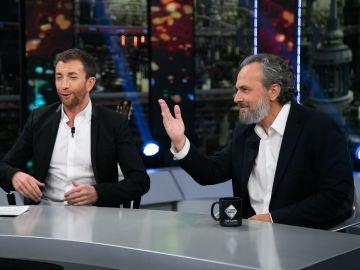 VÍDEO: José Coronado y Cristina Pardo debaten sobre la renuncia de Cospedal a su escaño y el impuesto de hipotecas en España