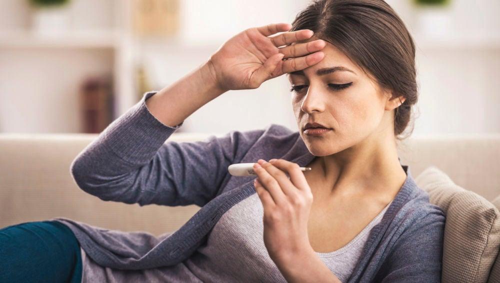 Mujer con fiebre