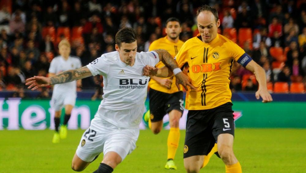 Momento del partido entre Valencia y Young Boys
