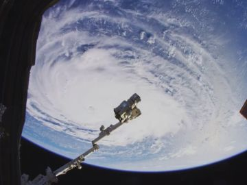 Un paseo por la Estación Espacial Internacional en ultra alta resolución