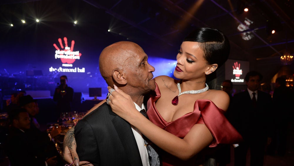 Rihanna con su abuelo Lionel Braithwaite
