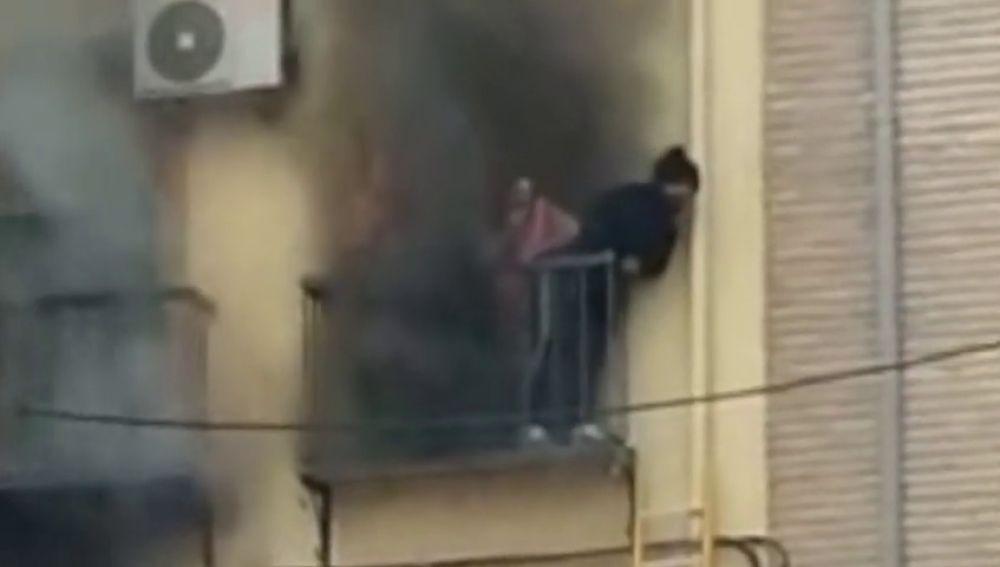 Un incendio en una vivienda del casco antiguo de Jaén deja a cinco personas heridas