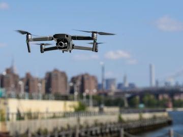 Un dron sobrevuela Nueva York