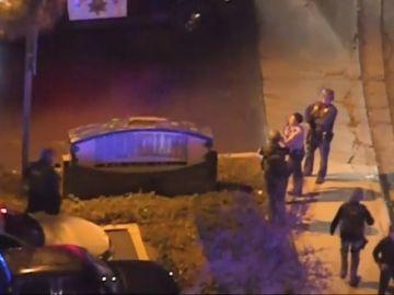 Un hombre dispara contra varias personas en un bar de California