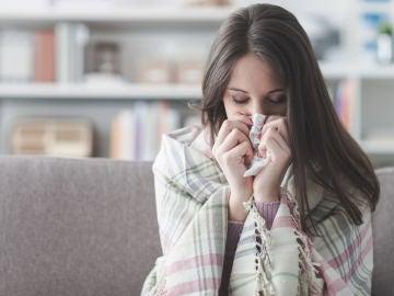 Mujer con gripe