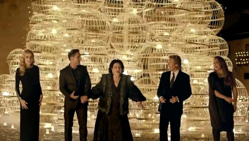 'Pon tus sueños a jugar', el anuncio de la Lotería de Navidad protagonizado por grandes cantantes españoles en 2013