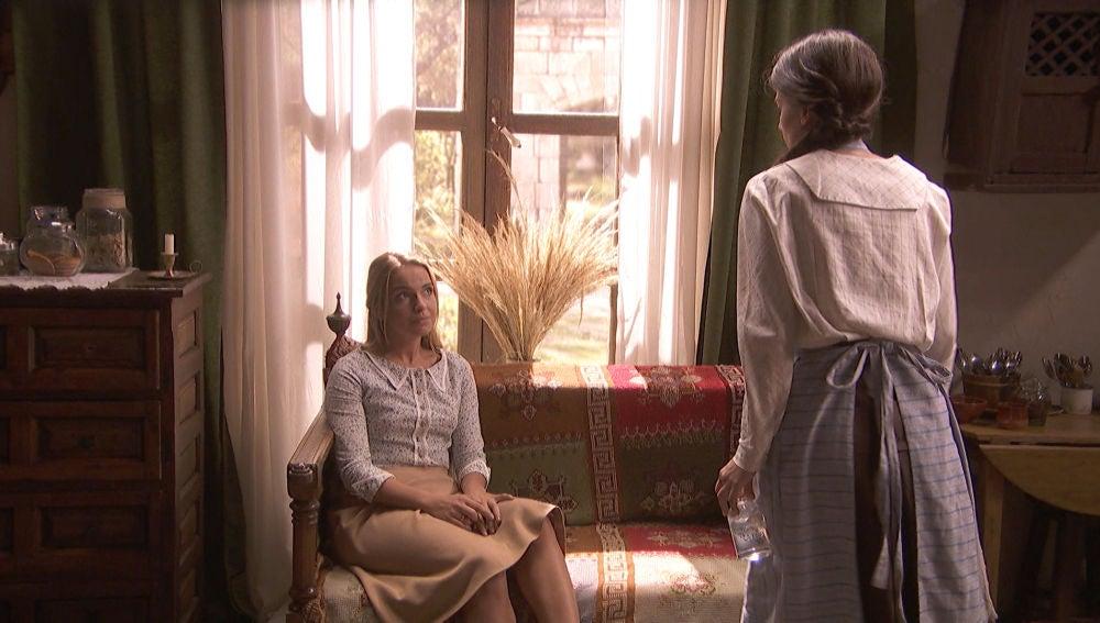 """Antolina humilla a Elsa: """"Arrodíllate en el suelo"""""""