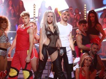 La rompedora actuación de Mimi como Christina Aguilera