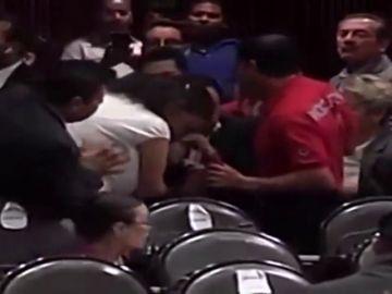 Una diputada mexicana se entera del asesinato de su hija en plena sesión parlamentaria