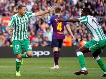 Joaquín celebra el 0-2 en el Camp Nou