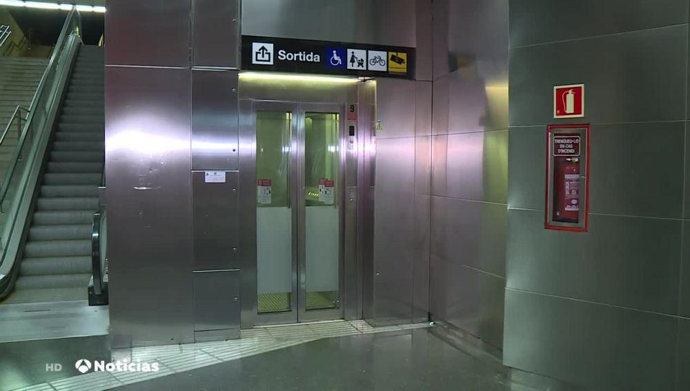 Ascensor del metro de Barcelona