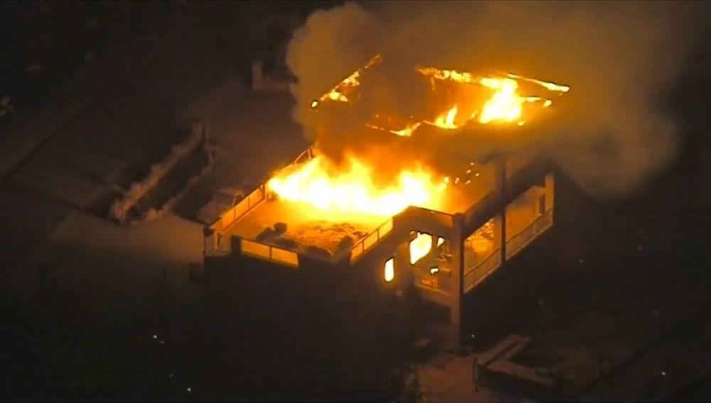Sube a 23 la cifra de muertos en el incendio del norte de California
