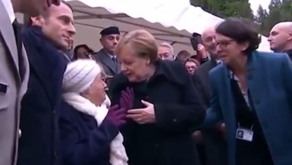Una señora centenaria confunde a Angela Merkel con la mujer del presidente de Francia, Brigitte Macron