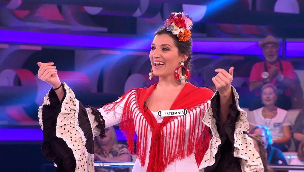 VÍDEO: La 'Salve Rociera' invade el plató de '¡Ahora Caigo!' gracias a la concursante central