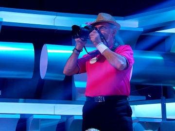 VÍDEO: Un paparazzi se cuela en el especial de 'El Rocío' en '¡Ahora Caigo!'