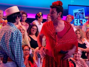 El espectacular vestido de rociera de Arturo Valls en '¡Ahora Caigo!'