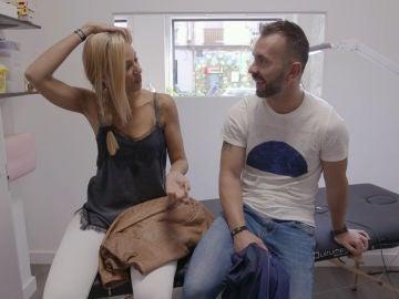 """Juanra y Joana acuden a un estudio de tatuajes: """"Esta historia me está marcando"""""""