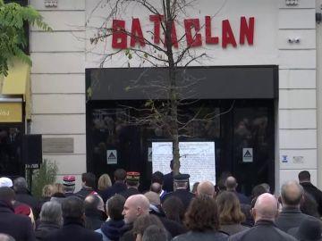 Homenaje nacional a las víctimas de Bataclan en París y Saint-Denis