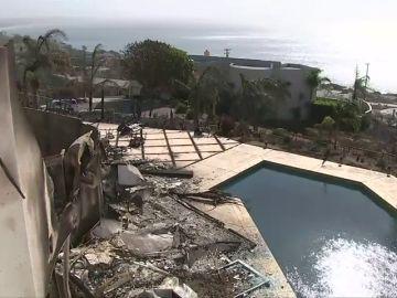 El fuego descontrolado de California está destruyendo las mansiones de los famosos