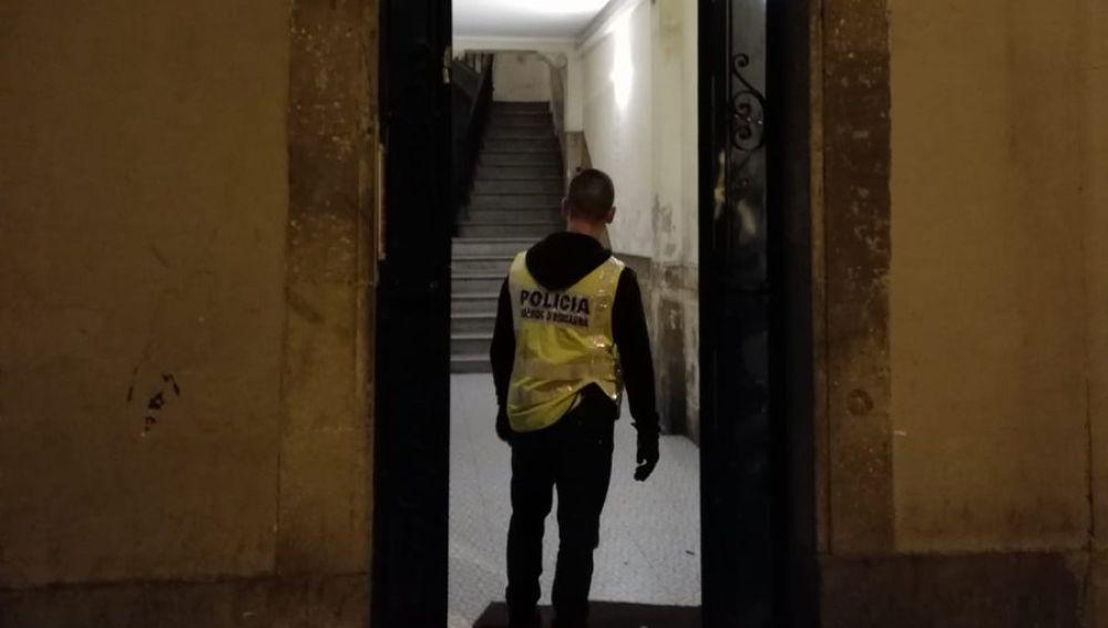 Operación policial contra narcopisos en Barcelona