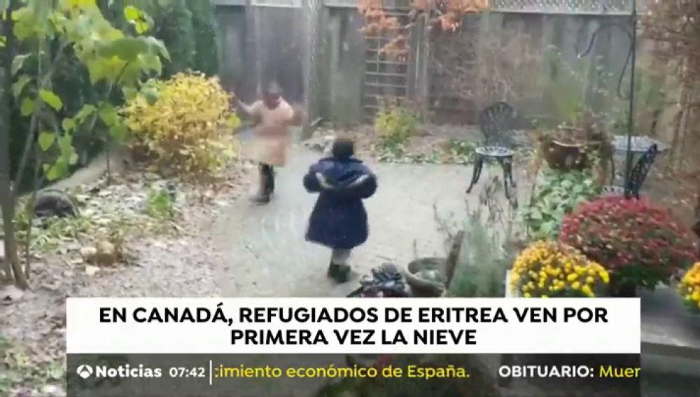 La tierna reacción de unos niños refugiados al ver por primera vez la nieve