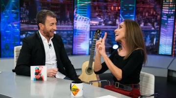 """Ana Belén desvela en 'El Hormiguero 3.0' cómo es trabajar con su hijo: """"Tengo que morderme la lengua muchas veces"""""""