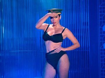La sexy actuación de Amelia dedicada al generalísimo