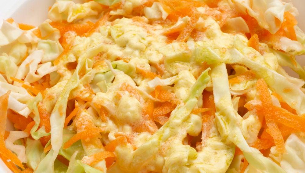 Ensalada de col y zanahoria